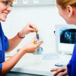 Когда невозможна имплантация зубов?