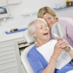Чем вредна имплантация зубов?